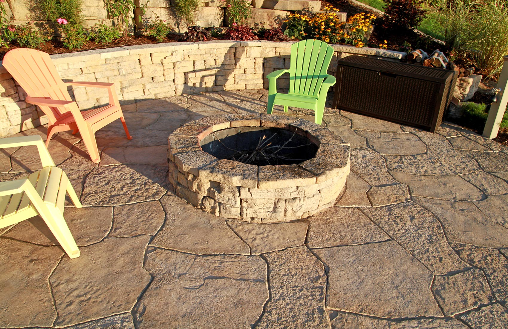Diy Backyard Fire Pit Ideas All The Accessories You Ll: Grand Flagstone